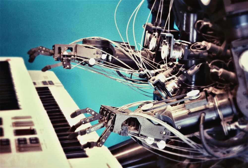 AI Music: 4 Ways Artificial Intelligence is Used in the Music Industry Now